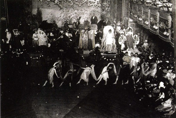 1920s-Drag-Ball-Webster-Hall-qualifolk.com_-600x404