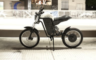 sudaca-electric-motorcycle-ultralight-combustion-free-riding-designboom-02