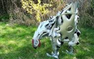 car-Hubcaps-sculptures-11